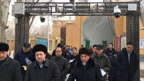 Uyghur meehun miduvas varu maru nuveytho dhua' kuranee