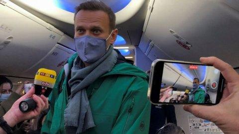 Hayyarukoh jalah laane kamah inzaaru koffavanikoh Russia ge idhikolhu leader Navalny gaumah vadaigenfi