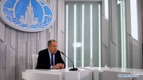 Dollar beynun kurun madhukuran vejje: Lavrov
