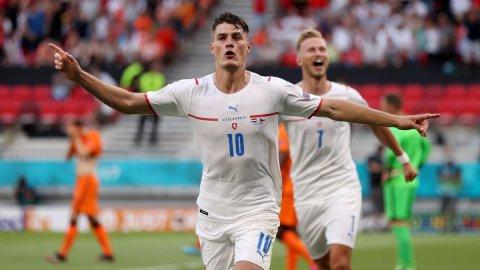 Czech athun 2-0 in balive Netherlands kataifi
